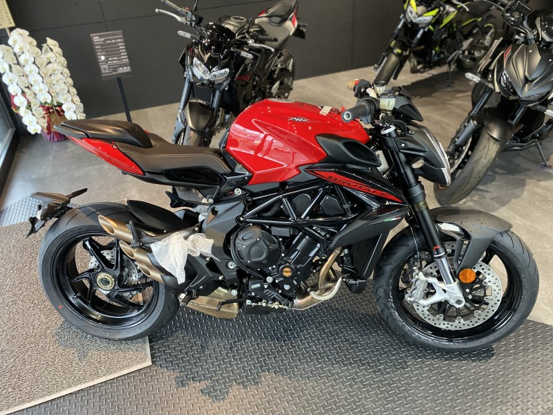 BRUTALE 800 ROSSO 2020
